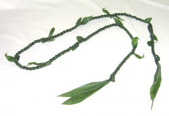 Ti Leaf Lei - Click Image to Close